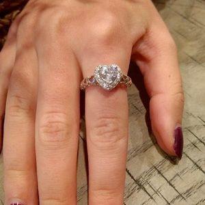 New 18 karat heart ring